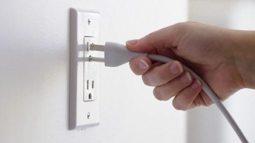 Unplug the aquarium from its power source