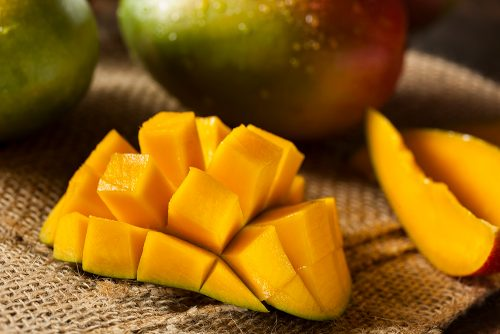 Fruits That Dogs Can Eat- Mangoes